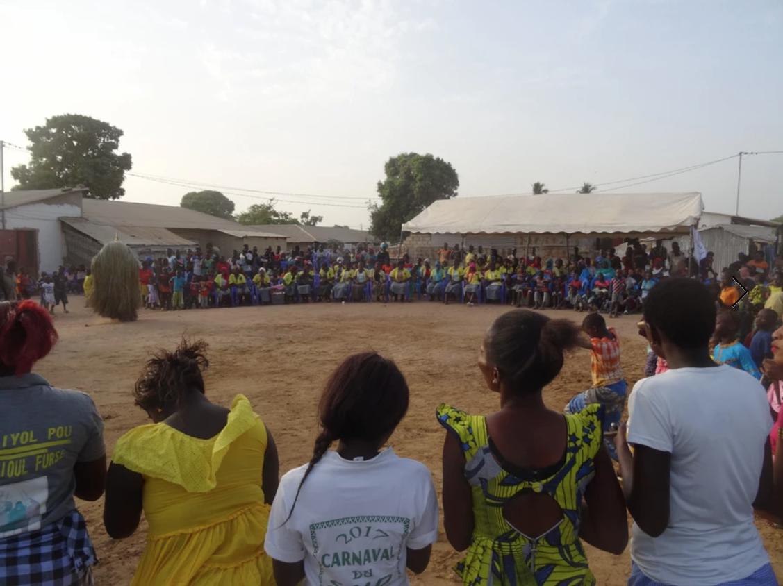Programa Give Back Kakolum amb las alpargatas Ball Pagès
